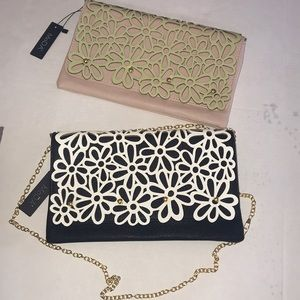 Moda Daisy Festival Clutch detachable Chain Strap
